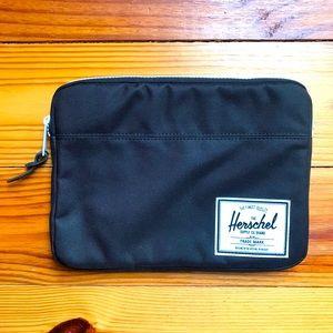 "Hershel Black Padded Tablet Case, EUC 10.5"" x 7.5"""